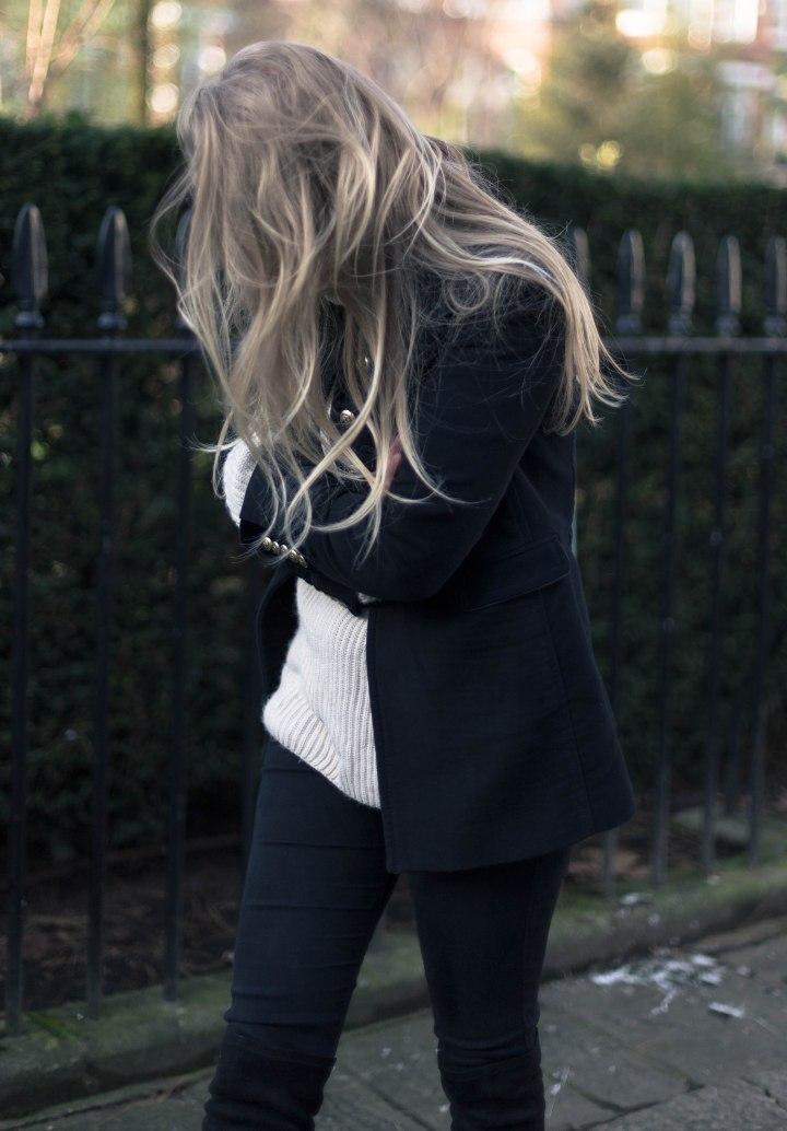 her_journal_kea_bose_zara_military_blazer-3